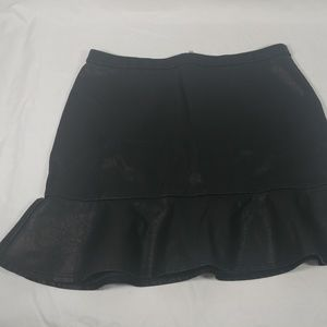New Look womens size 10 flounce skirt faux leather